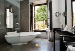Badkamer with a view - Crema Catalana - blog over reizen, beleven, eten en logeren in Spanje