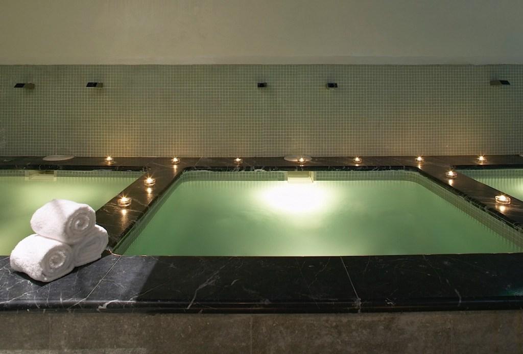 Een van de baden van de Bodyna Spa - Crema Catalana - blog over reizen, beleven, eten en logeren in Spanje