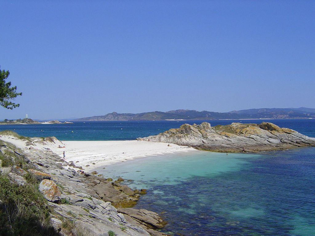"""Illas Cies Praia"" by Henrique Pereira from gl. Licensed under CC BY-SA 3.0 via Commons - https://commons.wikimedia.org/wiki/File:Illas_Cies_Praia.jpg#/media/File:Illas_Cies_Praia.jpg"