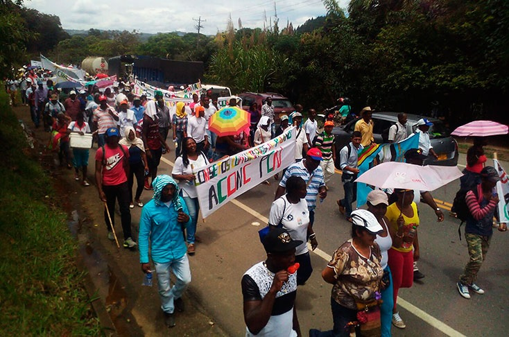 Norte del Cauca/ Comunidades Afro bloquean vía panamericana por incumplimientos del Gobierno