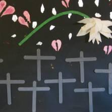 quadro dedicato alle persone morte in guerra