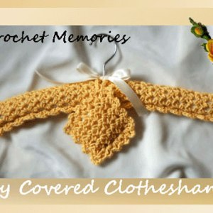 Lacy Covered Clotheshanger & Matching Sachet