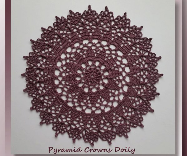Pyramid Crowns Doily   <br /><br /><font color=