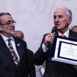 Silvio De Fanti premia Luigi Oppido