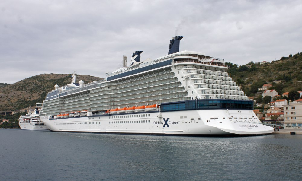 Celebrity Cruises Passenger Killed In Parasailng Accident
