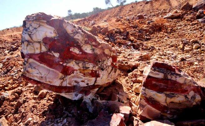 mookaite mining