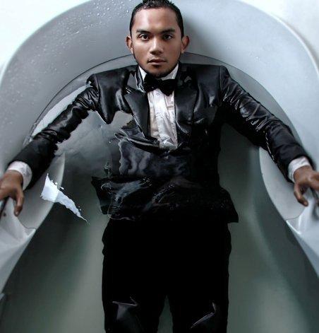 "CSEAS features a sweet pop tune, ""Salahkah Aku,"" from Fakhrul Razi (Brunei Darussalam)."