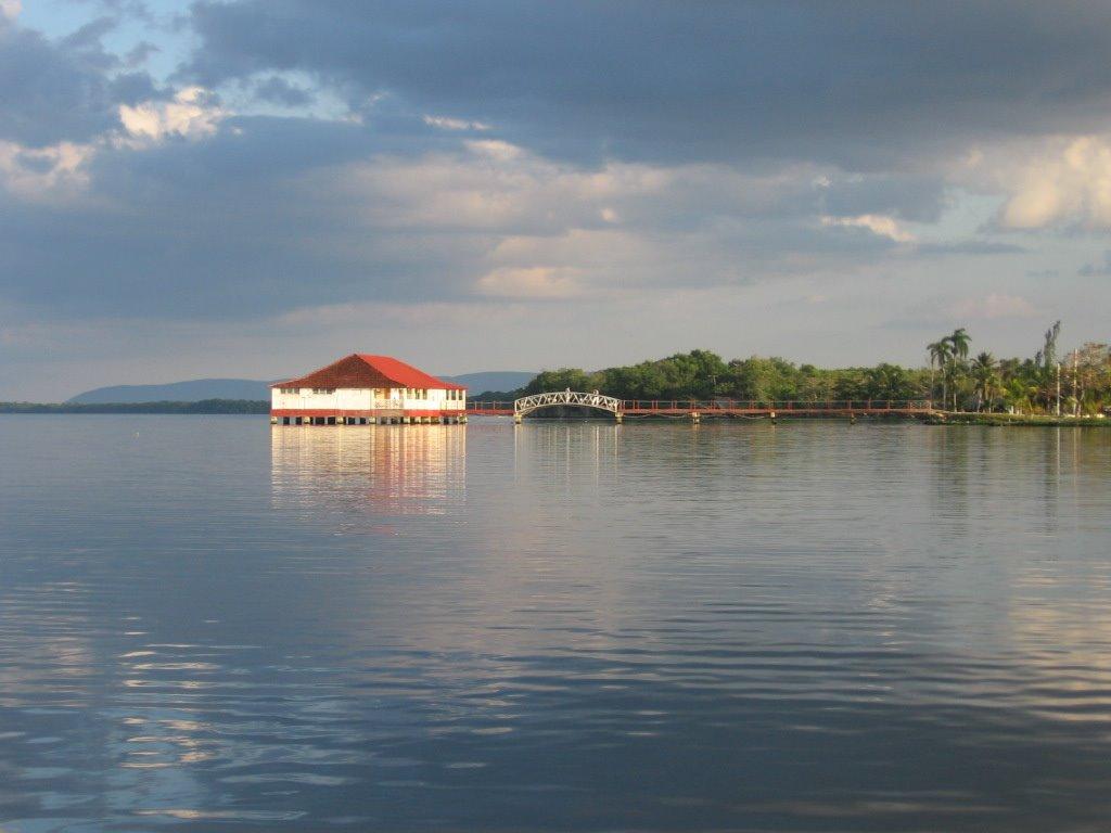 Lake la Leche-Cuba