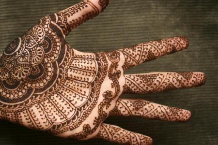 12 henna hand tattoo600 508