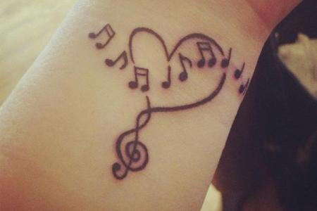 44 small music notes tattoo1