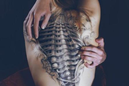 47 cool tattoo on back