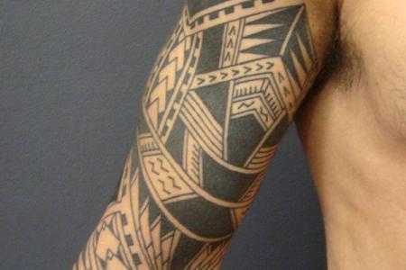 19 polynesian arm tattoo