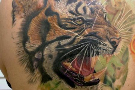 40 3d tiger tattoo on back for men