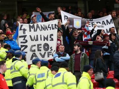 El enojo de los hinchas de Aston Villa en las tribunas, una constante esta temporada.