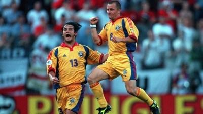 El festejo eterno de los goleadores: Chivu y Munteanu