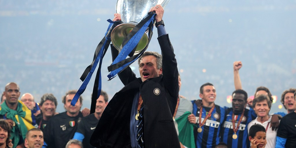 De la mano de Mou. Inter, último equipo italiano en levantar la orejona.