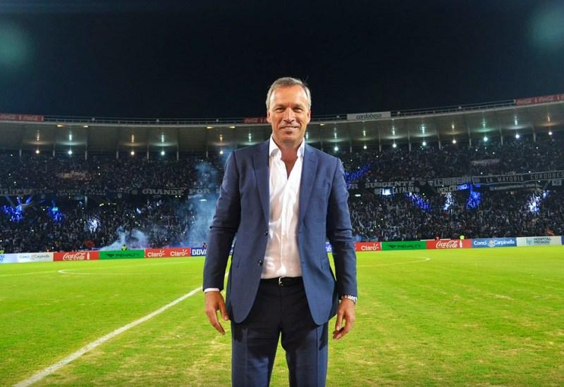 La nueva fórmula de la T: futbol y negocios