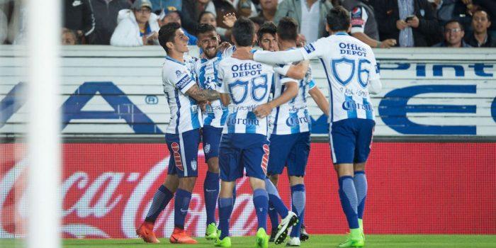 Jugadores del Pachuca festejan un gol en el Hidalgo. Foto: Imago7.