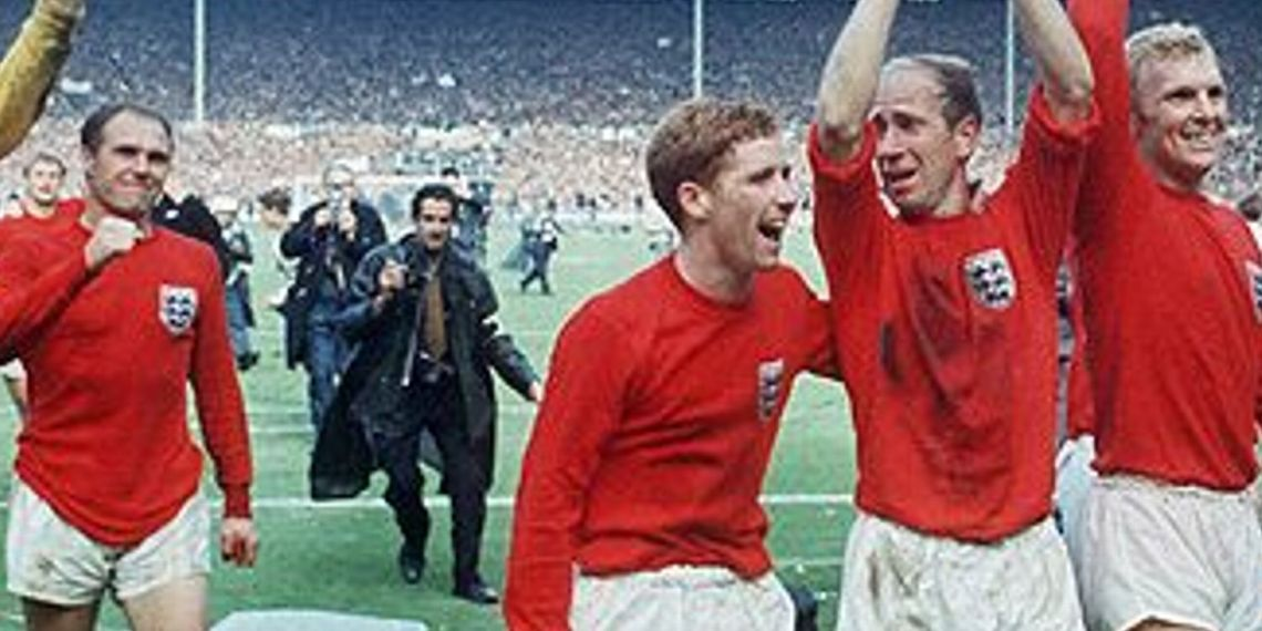 El final de la historia y con Charlton a puro festejo.