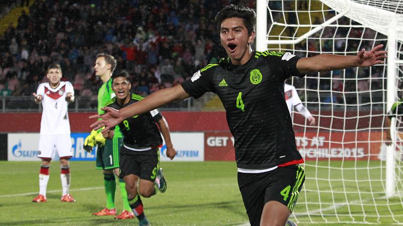 Gol a Alemania en Chile 2015.