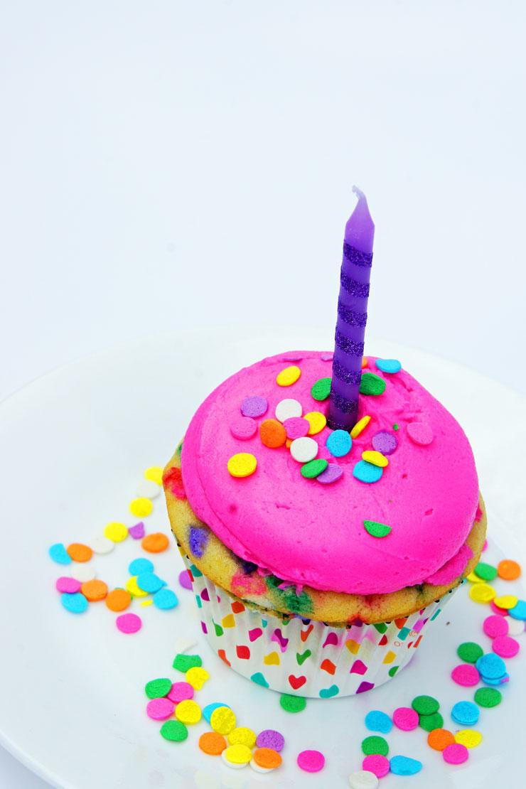 Bright Pink Funfetti Birthday Cupcakes   www.cupcakesandthecosmos.com