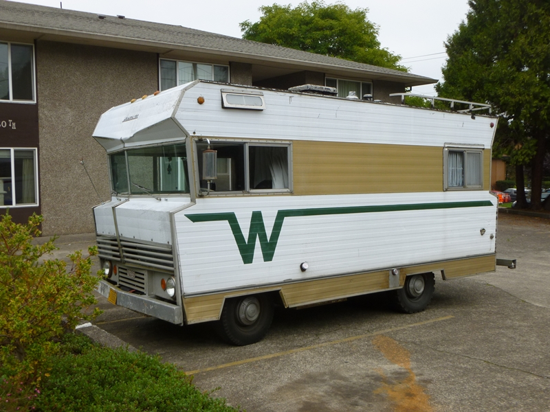 Curbside classic 1968 winnebago f 17 the model t of for Small motor homes for sale