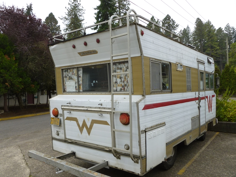 Curbside classic 1968 winnebago f 17 the model t of for Affordable motors winston salem nc reviews