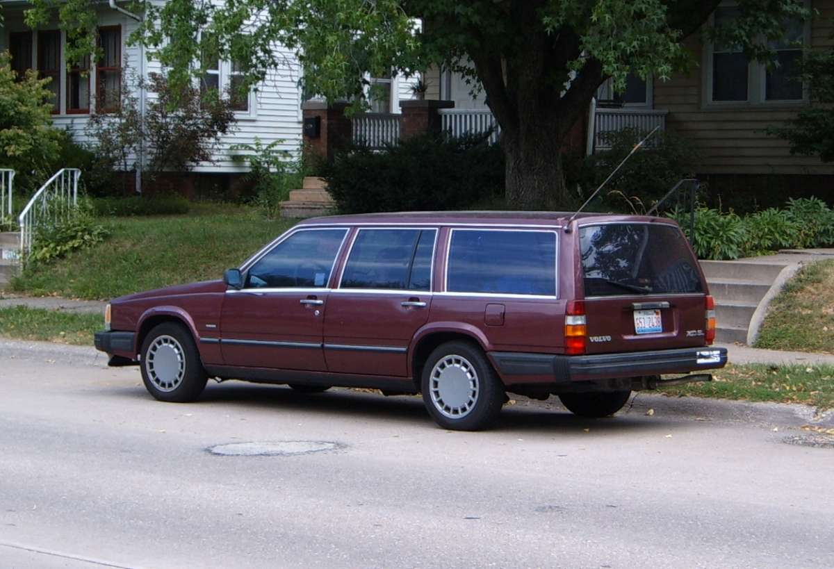 on 1989 Volvo Turbo Wagon