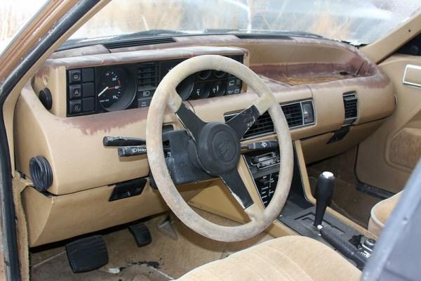 1982 Rover 3500 SE dash