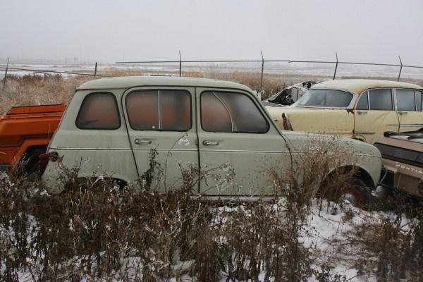 Renault 4 side