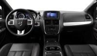 2012-Dodge-Grand_Caravan_RT_Mini-fourgonnette_Sieges-a-dessus-en-cuir-et-garnissage-de-cuir-avec-empiecements-perfores-en-cuir-noir-avec-surpiqures-rouges_Tableau-de-bord