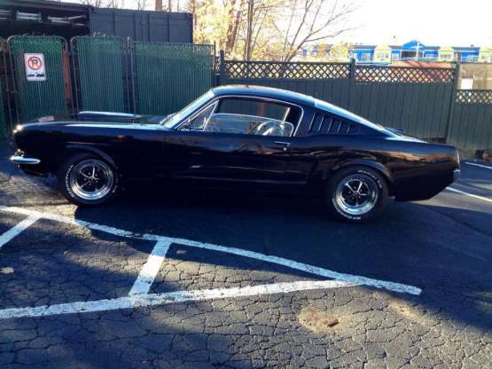 Mustang 1965 fastback side
