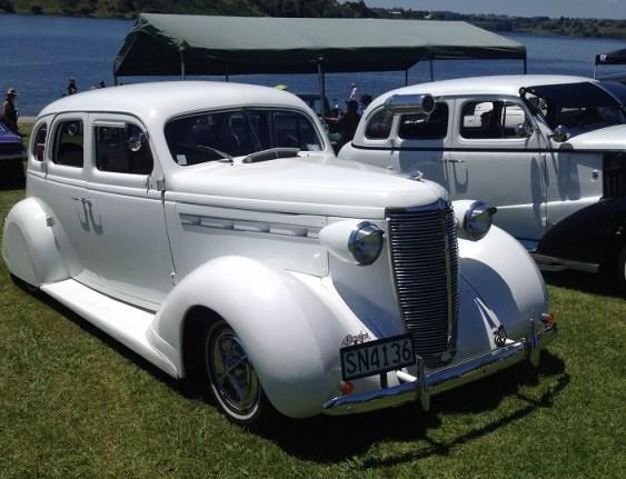 6. 1937 Nash Lafayette 400