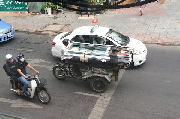 11 Glass cart