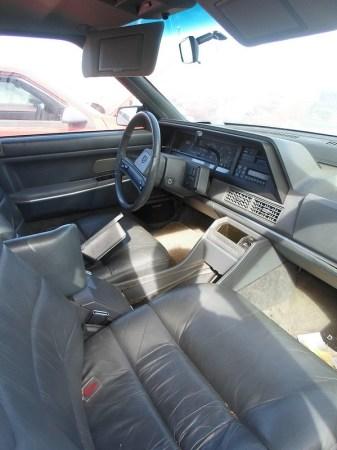 1989 Eagle Premier interior