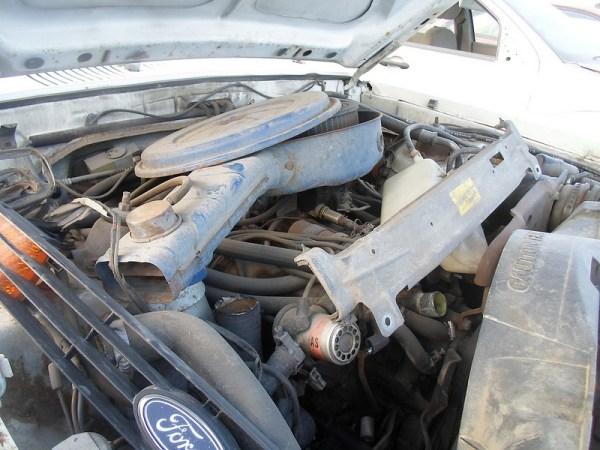 1976 Ford Granada engine