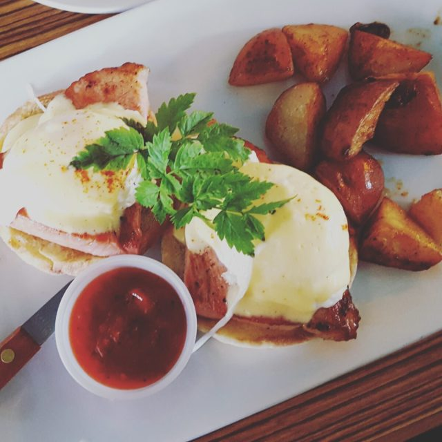 eggs benedict astoria coffee house - west coast road trip - curiouswriter