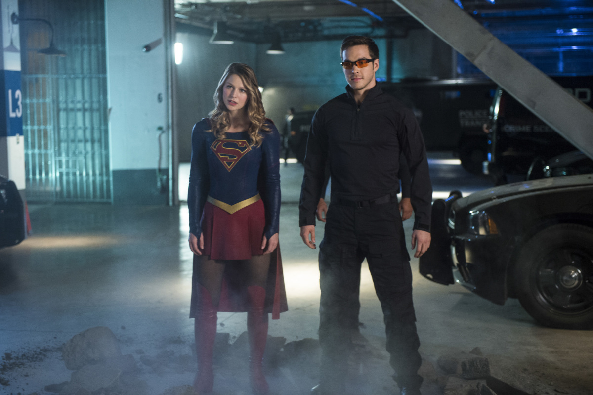 "Supergirl -- ""We Can Be Heroes""-- SPG210a_0091.jpg -- Pictured (L-R): Melissa Benoist as Kara/Supergirl and Chris Wood as Mike/Mon-El -- Photo: Diyah Pera/The CW -- © 2017 The CW Network, LLC. All Rights Reserved"