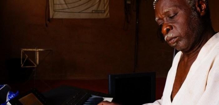 Watch Mamman Sani Abdoulaye – Salamatu (Sahel Sounds)