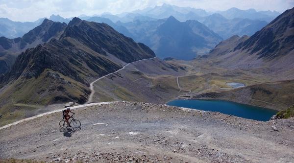 Lac d'Oncet -- route to Pic du Midi