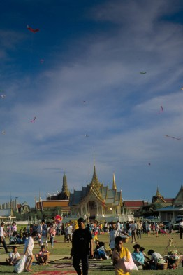 kite contest near the royal palace