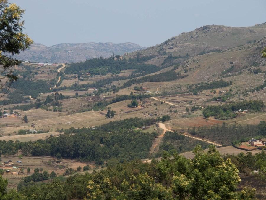 Quiet rural road to Maguga Dam
