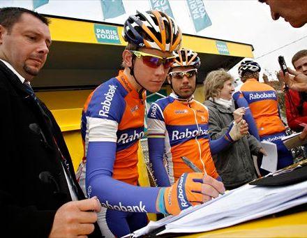 Jetse Bol - Oscar Freire (Rabobank) - Image Wessel van Keuk/Cor Vos ©2011
