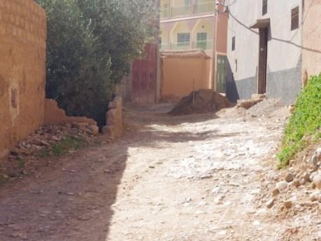 سوق لخميس دادس: شيخ ايت حمو «يعتدي» على مواطن بتنميول