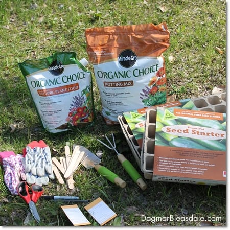organic garden with Miracle-Gro Organic Choice