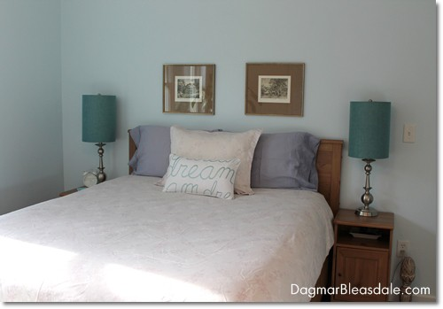 bedroom with organic pillows