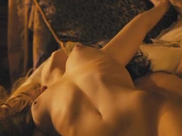 emma roberts naked