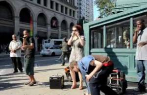 New-York-Street-Performers-Robbed