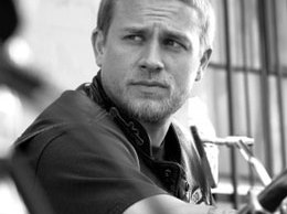 charlie-hunnam-sons-of-anarchy