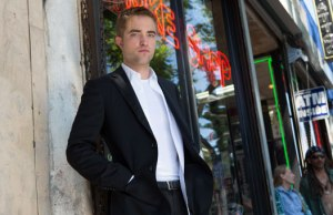 Robert_Pattinson_maps-to-the-stars